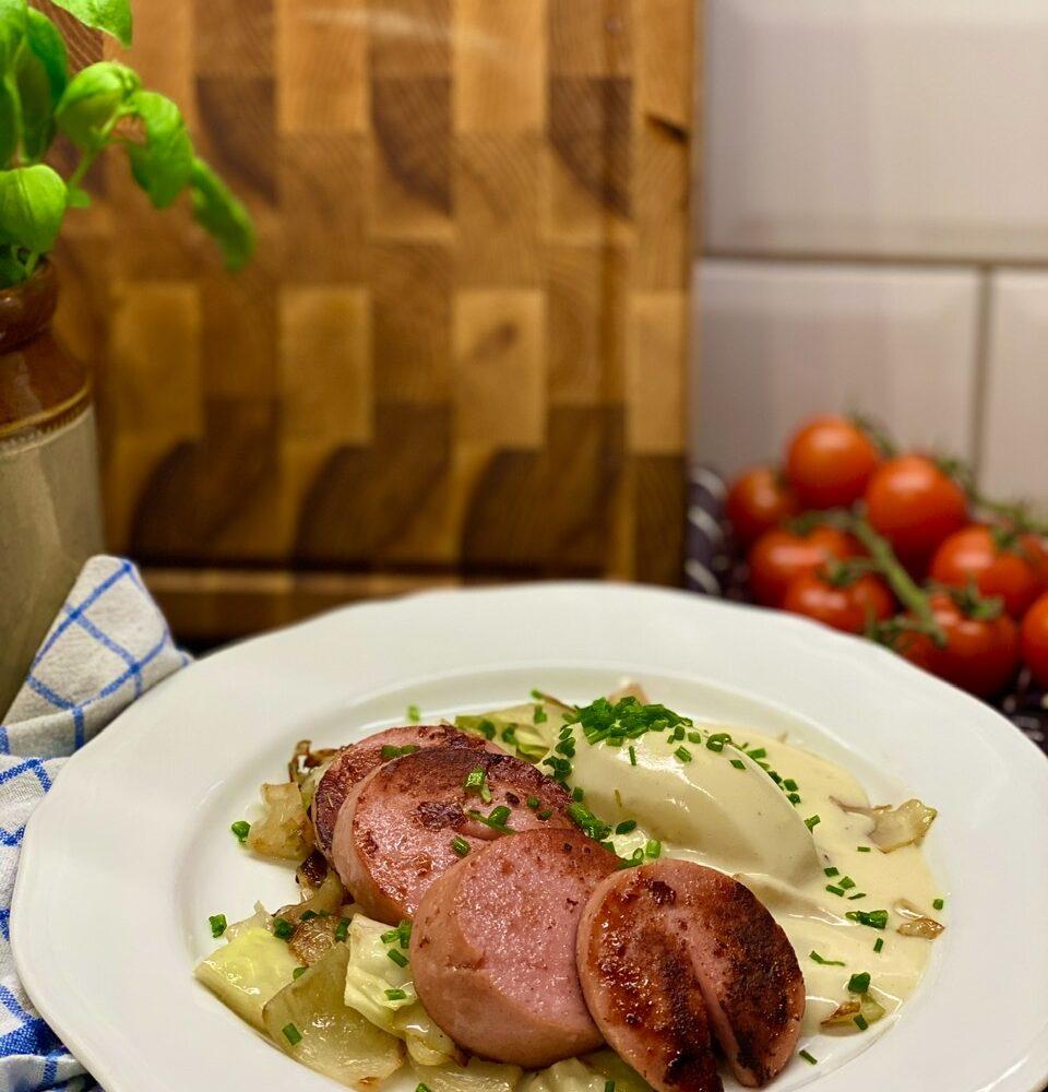 kokt falukorv med senapssås
